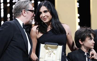 الفيلم الياباني (شوب ليفترز) يفوز بجائزة السعفة الذهبية في مهرجان كان