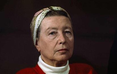 الكاتبة الفرنسية التي جعلت حياتها تجربة مثالية