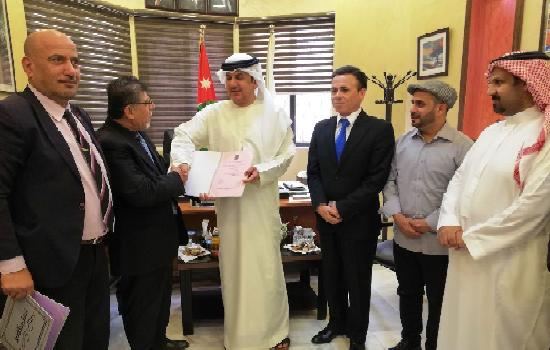 وزارة الثقافة الأردنية واتحاد الفنانين التعبيريين الفلسطينيين يكرمان سيف الأفخم