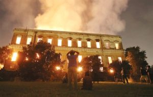 مصير20 مليون قطعة أثرية مجهول بعد احتراق متحف ريو دي جانيرو الوطني