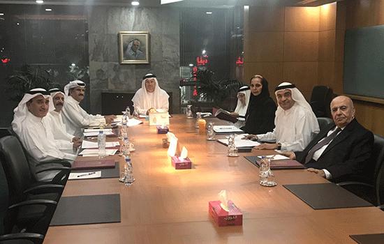 اجتماع دوري لمجلس أمناء مؤسسة سلطان بن علي العويس الثقافية