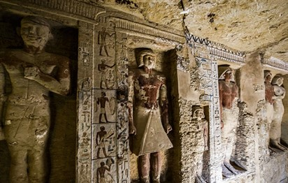 Read more about the article Egypt unearths tomb of ancient high priest