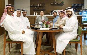 """مقهى الفجيرة الثقافي يحتفي بـ """"أميرة اللغات"""""""