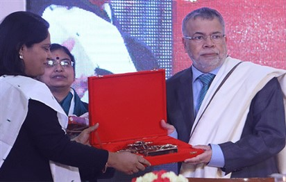 'New Delhi Book Fair' honours General Union of Arab Writers' Secretary General