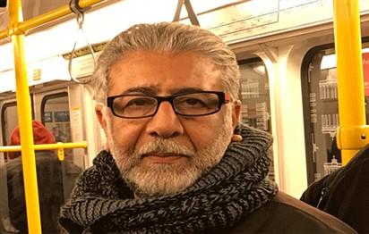 شعراء ومثقفون وكُتاب يتعاطفون مع الشاعر   أمجد ناصر بعدما رثى نفسه على الفيسبوك