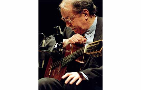 وفاة المغني البرازيلي جواو جيلبرتو أحد أكبر أسماء موسيقى البوسا نوفا