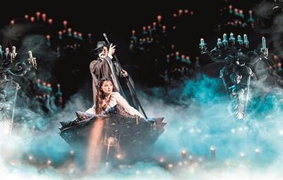 كلير ليون بطلة «فانتوم أوف ذا أوبرا» في دبي
