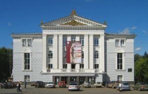 متفرج واحد فقط يحضر عروض «مسرح وأوبرا بيرم» الروسي