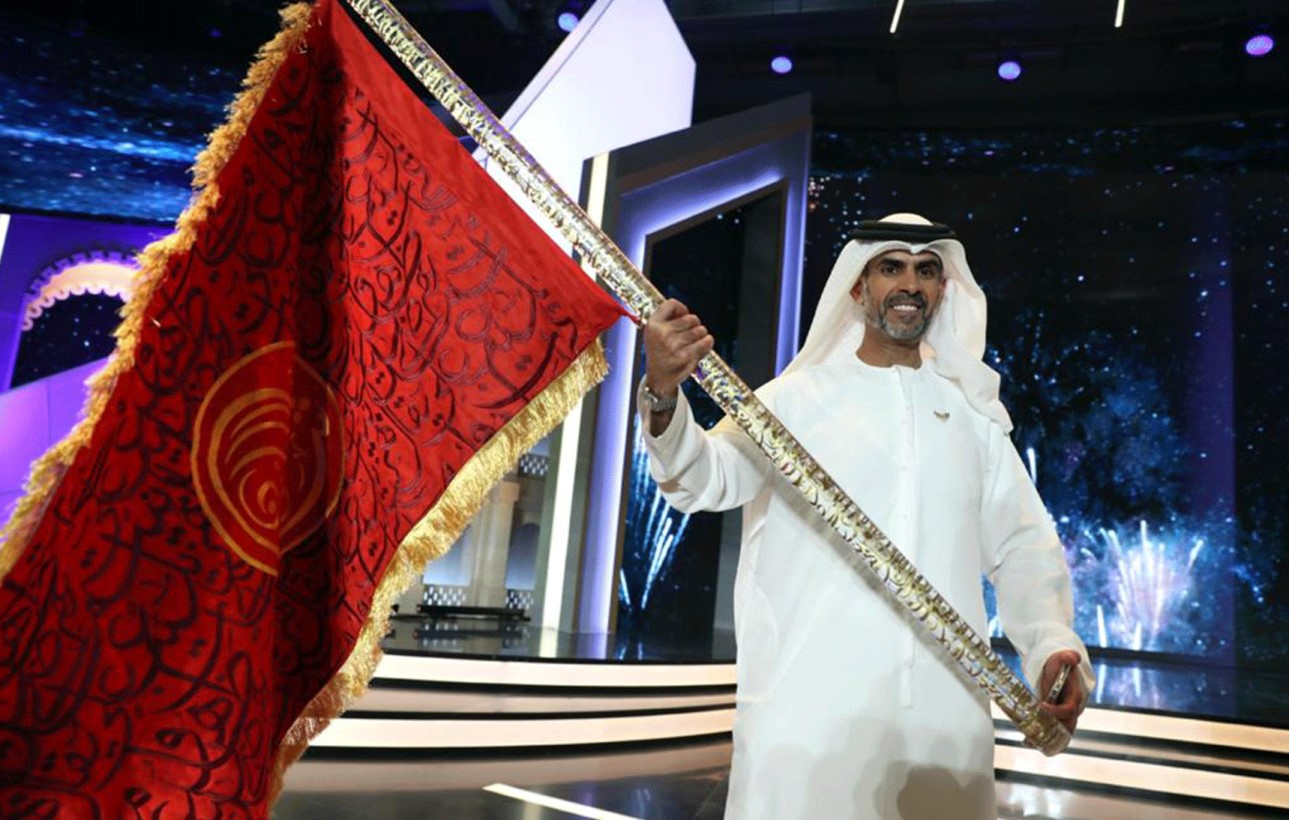 You are currently viewing الشاعر الإماراتي مبارك بالعود العامري يفوز بجائزة شاعر المليون