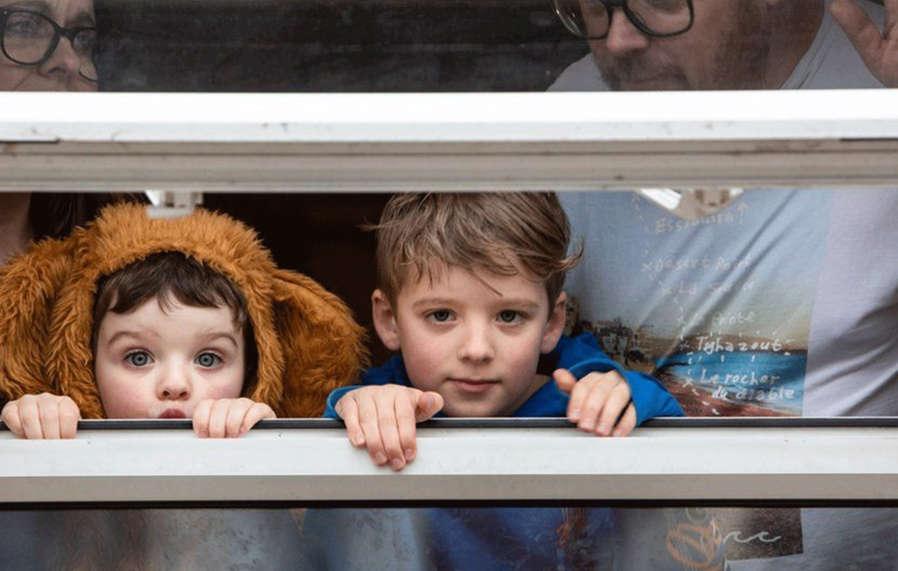Coronavirus: Bedford Photographer captures 'life through windows'