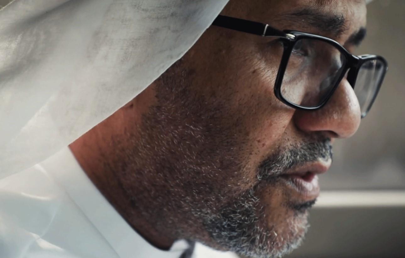 You are currently viewing Noura Al Kaabi hails the return of revered UAE poet Ahmed Al Asem