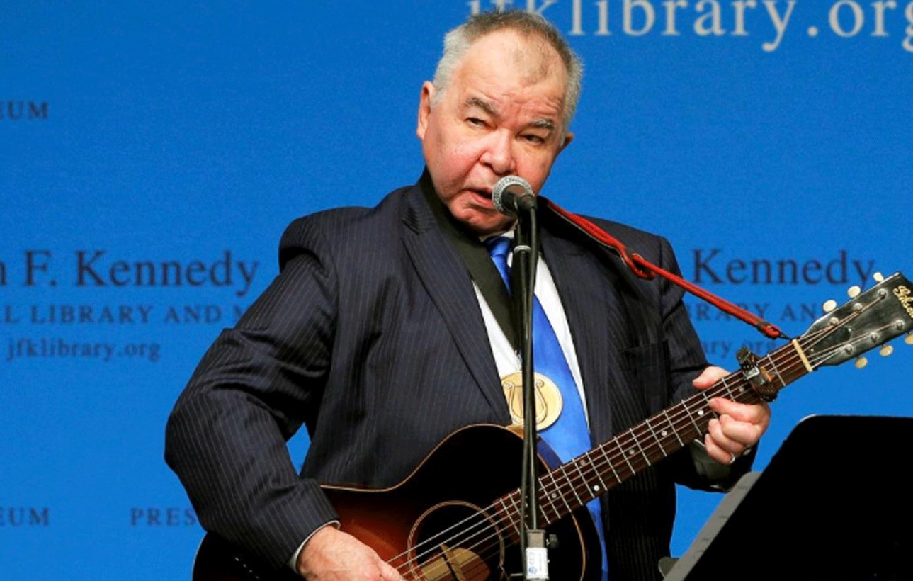 You are currently viewing Country folk singer John Prine dies at 73 of coronavirus complications