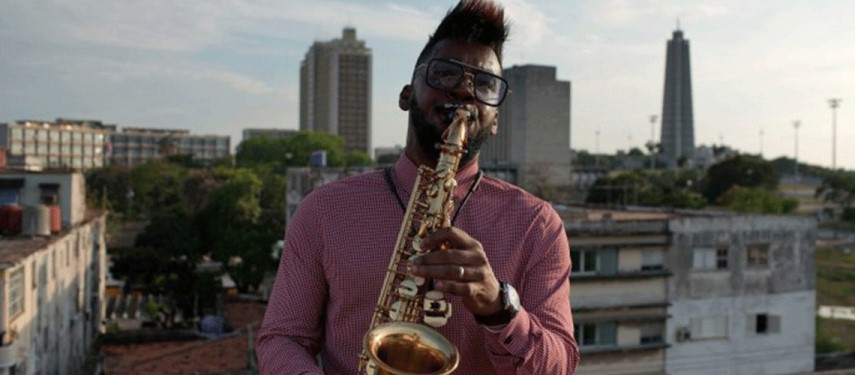 Cuba's artists make music and dance on rooftops during lockdown