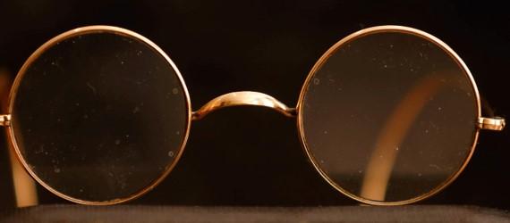 Beatles memorabilia goes under hammer at online auction
