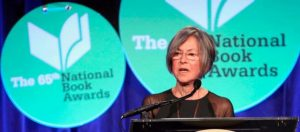 نوبل للآداب تمنح للشاعرة الأمريكية لويز غلوك
