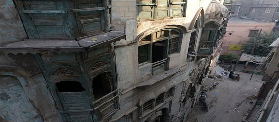 Hope for Bollywood stars' dilapidated homes in Pakistan