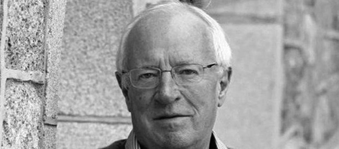 رحيل الصحافي البريطاني المخضرم روبرت فيسك