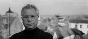 رحيل الشاعر الفلسطيني مريد البرغوثي عن 77 عاماً
