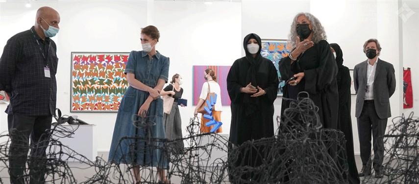 """لطيفة بنت محمد تزور النسخة الرابعة عشرة من معرض """"آرت دبي"""""""