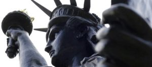 Read more about the article Lady Liberty's little sister sets off for United States