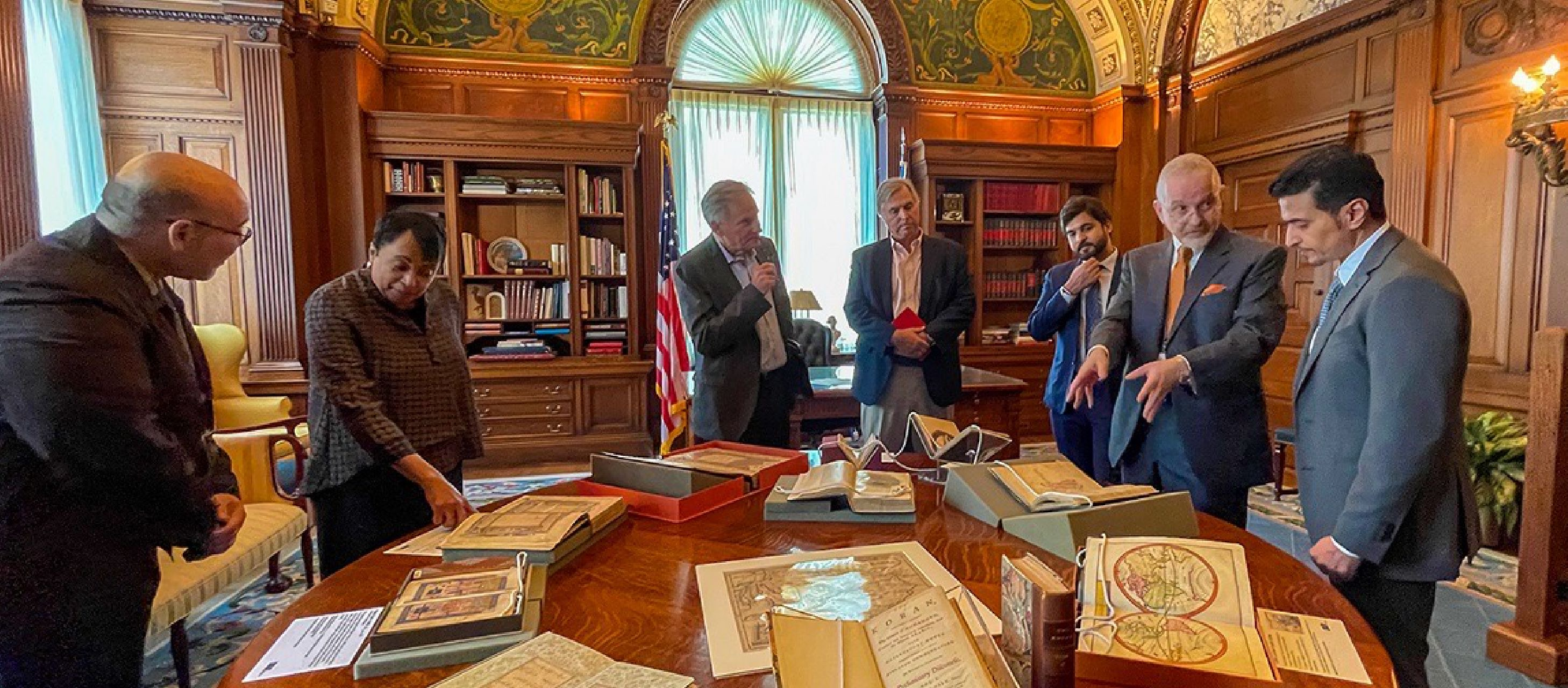 You are currently viewing Sharjah Book Authority Delegation Highlights Features of Arab and Emirati Culture during Visit to US Library of Congress