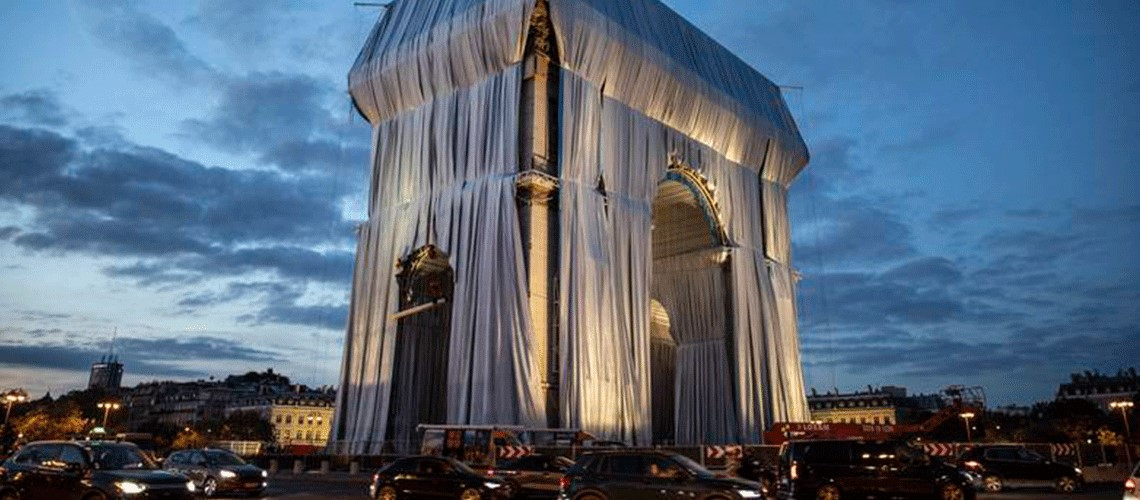 You are currently viewing Wrapping of Arc de Triomphe begins in Paris art installation
