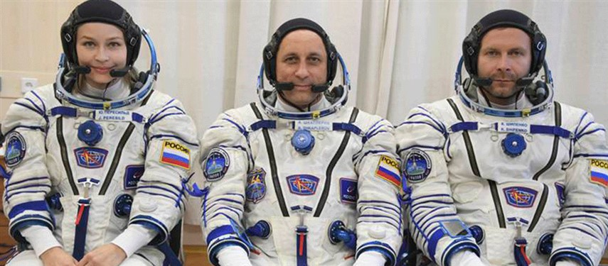 You are currently viewing First movie shot in space: Russian film crew set to beat Hollywood with historic flight